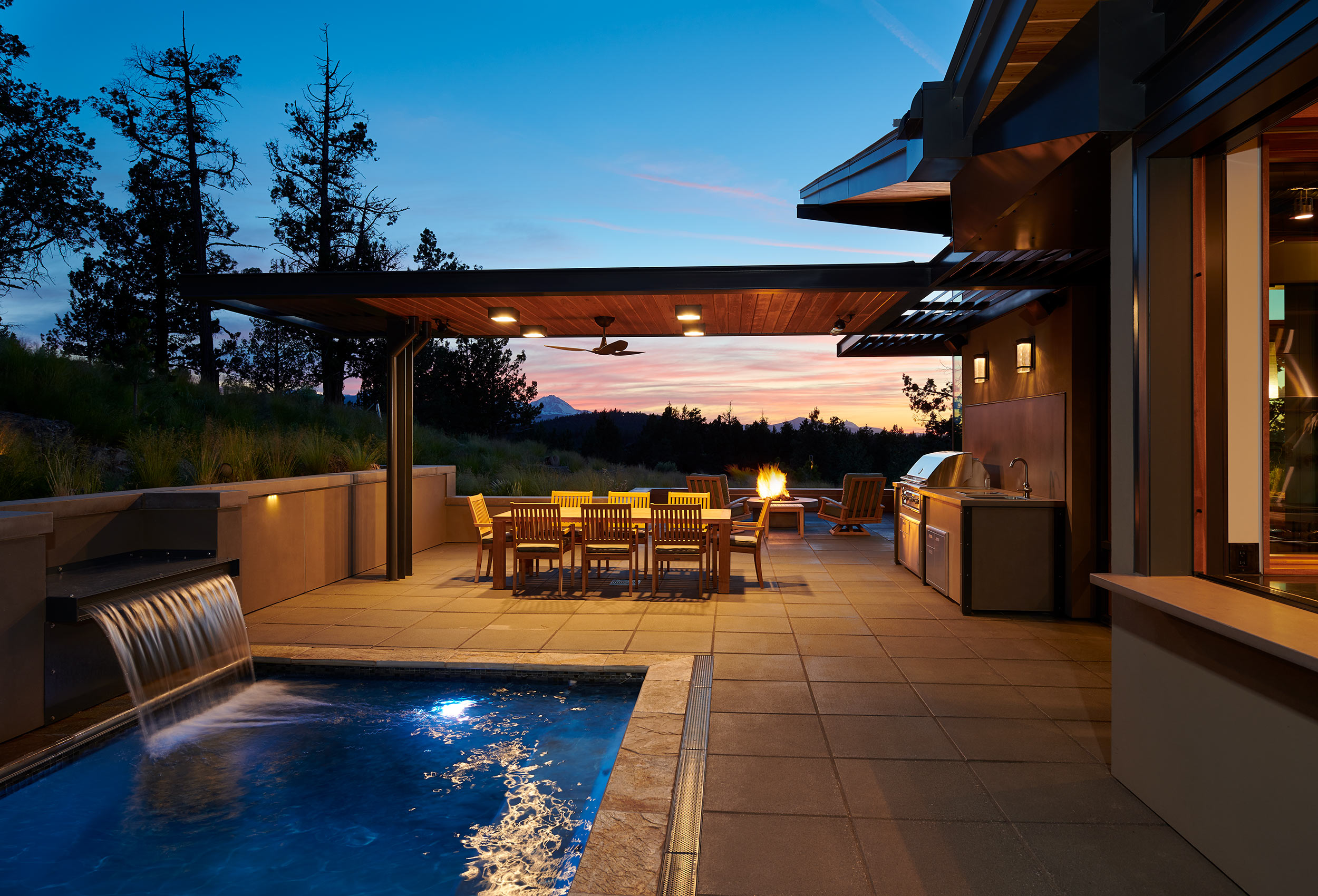 Architectural-Photography-Outdoor-Living-Dusk